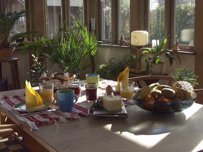 Frühstück in der Veranda